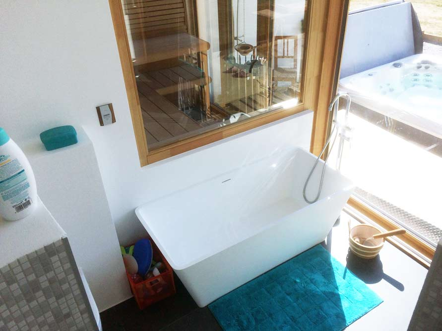 Badezimmer-Idee mit der freistehenden Badewanne Ancona