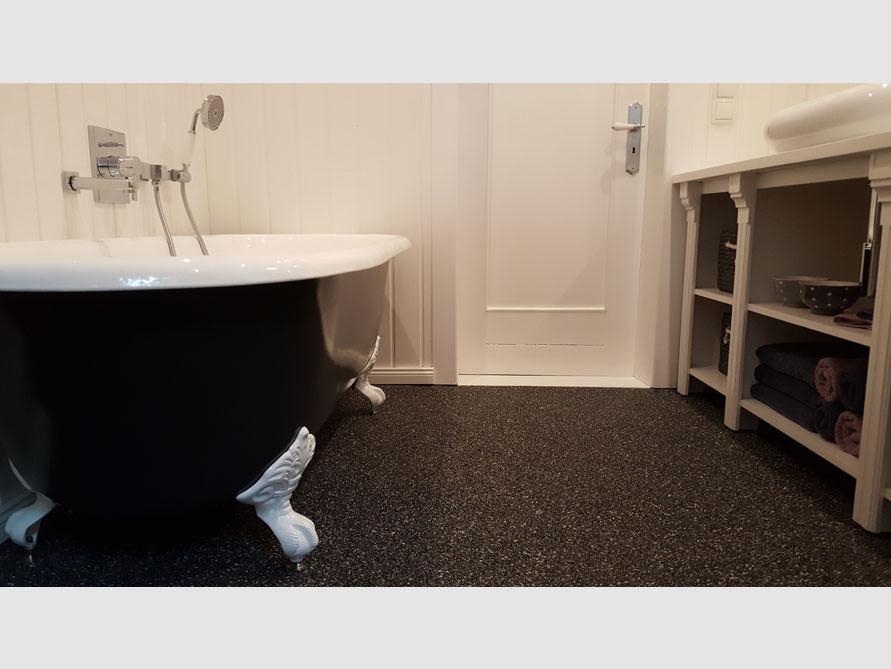 Badezimmer-Idee mit der freistehenden Badewanne Bradford