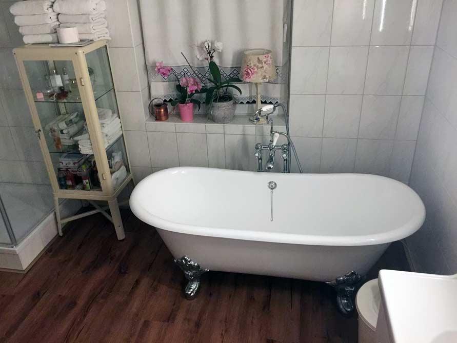 Badezimmer-Idee mit der freistehenden Badewanne Bristol