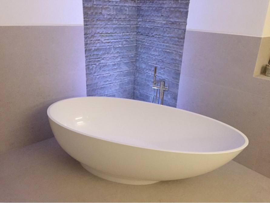 badezimmer idee campione freistehenden badewanne sch nheit designs. Black Bedroom Furniture Sets. Home Design Ideas