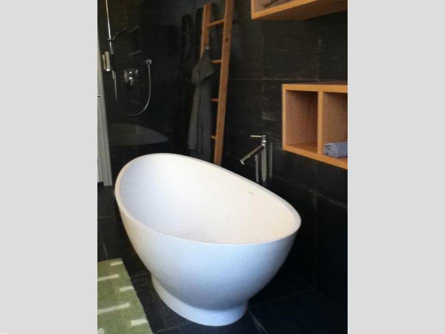 badezimmer idee como freistehenden badewanne geltung badeinrichtung. Black Bedroom Furniture Sets. Home Design Ideas