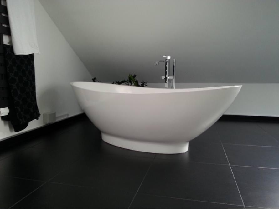 badezimmer idee como freistehenden badewanne einrichtungsm glichkeiten einrichtung. Black Bedroom Furniture Sets. Home Design Ideas