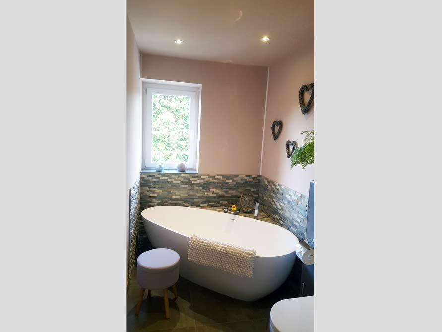 Badezimmer-Idee mit der freistehenden Badewanne Luino Grande