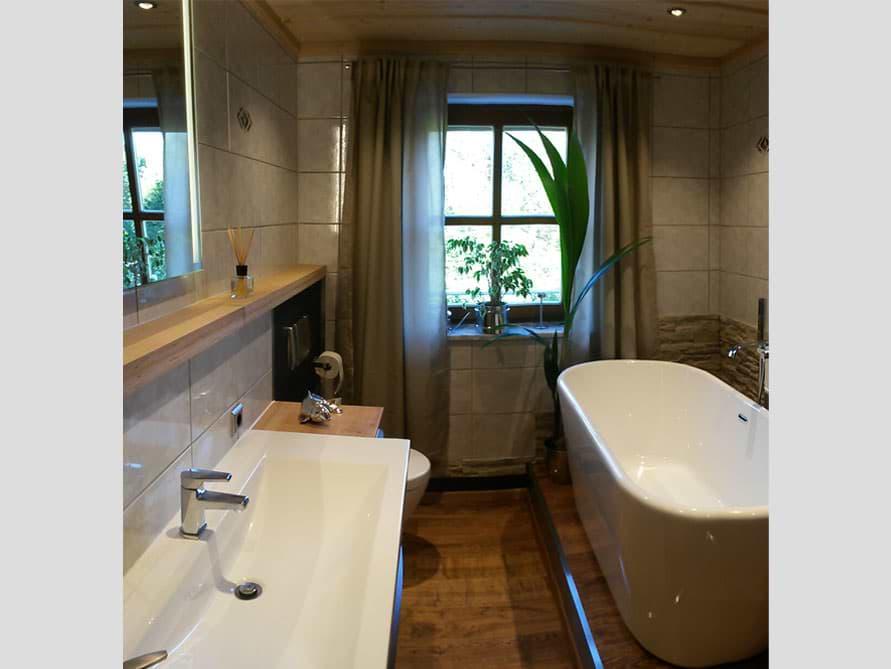 Badezimmer-Idee mit der freistehenden Badewanne Madrid