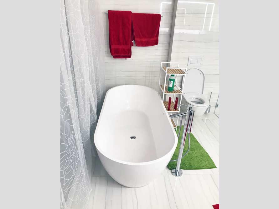 Badezimmer-Idee mit der freistehenden Badewanne Montecristo Grande