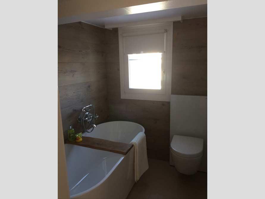 Badezimmer-Idee mit der freistehenden Badewanne Murcia