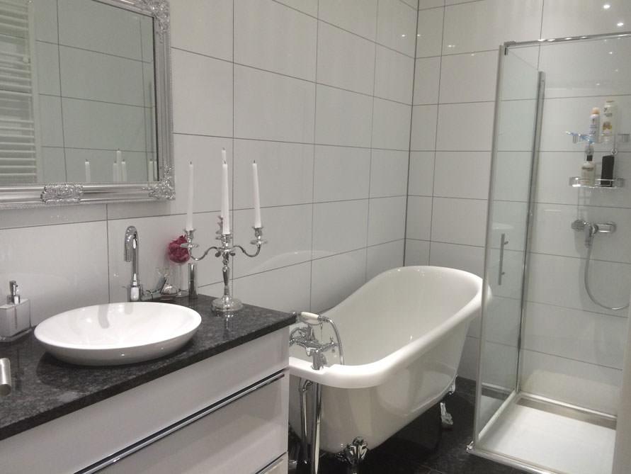 Badezimmer idee oldham freistehenden badewanne for Badewanne badezimmer