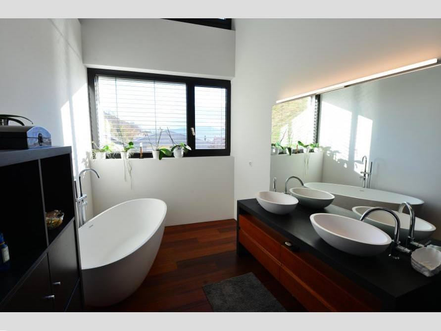 Badezimmer idee piemont freistehenden badewanne for Badezimmer mit dusche idee