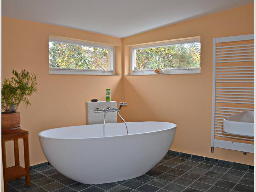 Badezimmer-Idee - Piemont - freistehenden Badewanne - Apricot - Wände