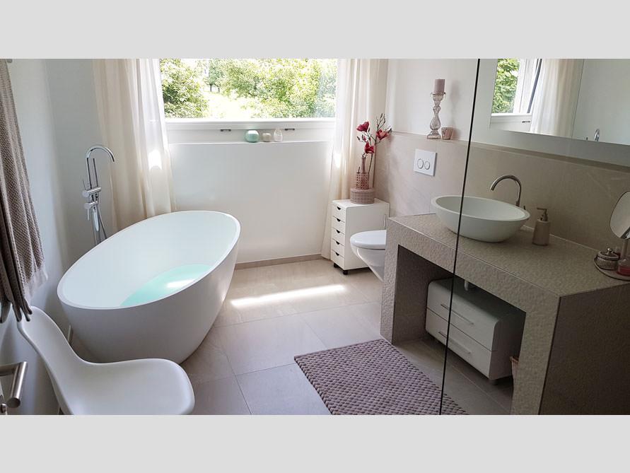 Badezimmer idee piemont freistehenden badewanne for Badewanne badezimmer