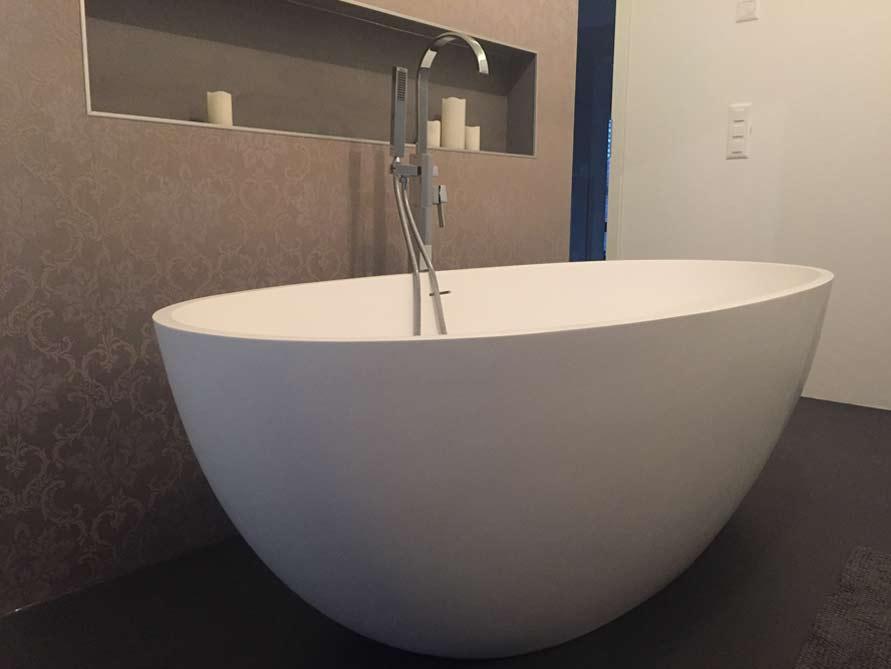 Badezimmer idee piemont freistehenden badewanne - Freistehende badewanne mit armatur ...