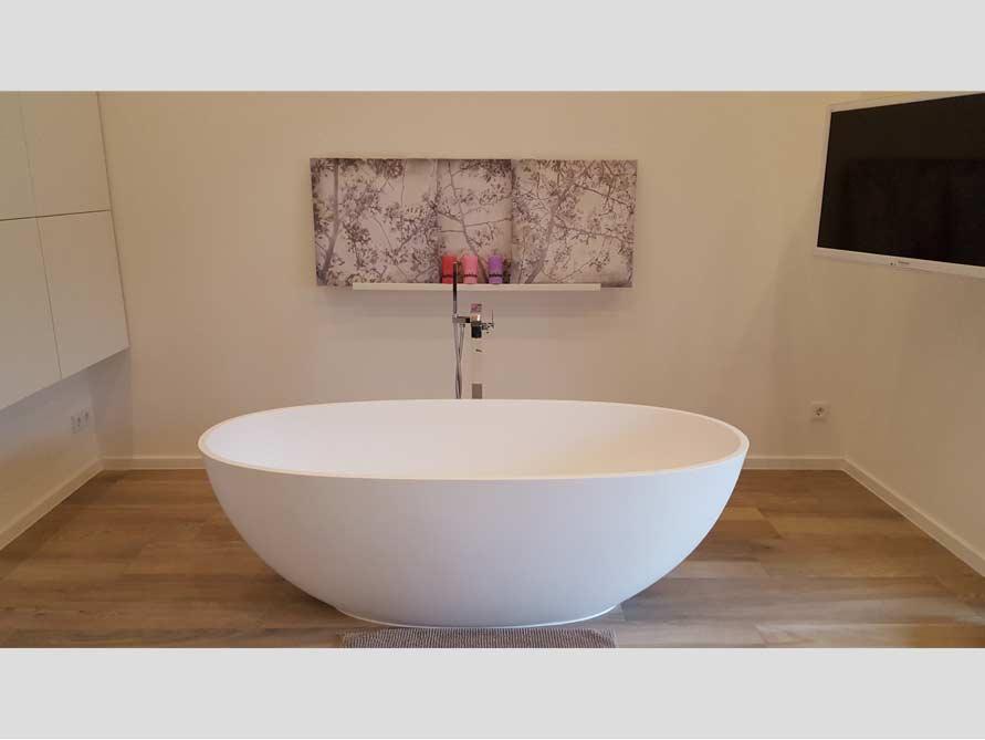 badezimmer idee piemont freistehenden badewanne mitte ensemble. Black Bedroom Furniture Sets. Home Design Ideas