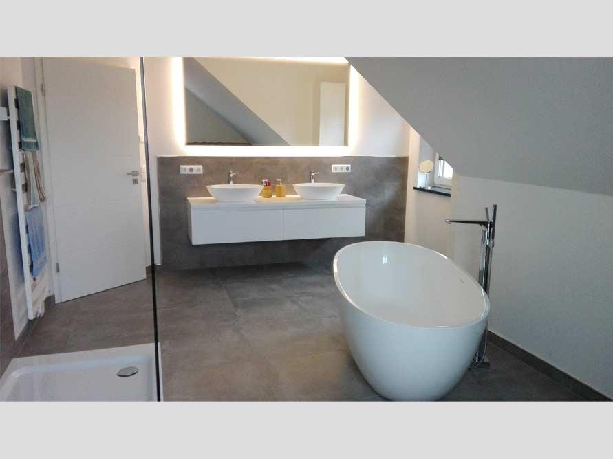 Badezimmer-Idee - Piemont - freistehenden Badewanne - Trend - Ausbau