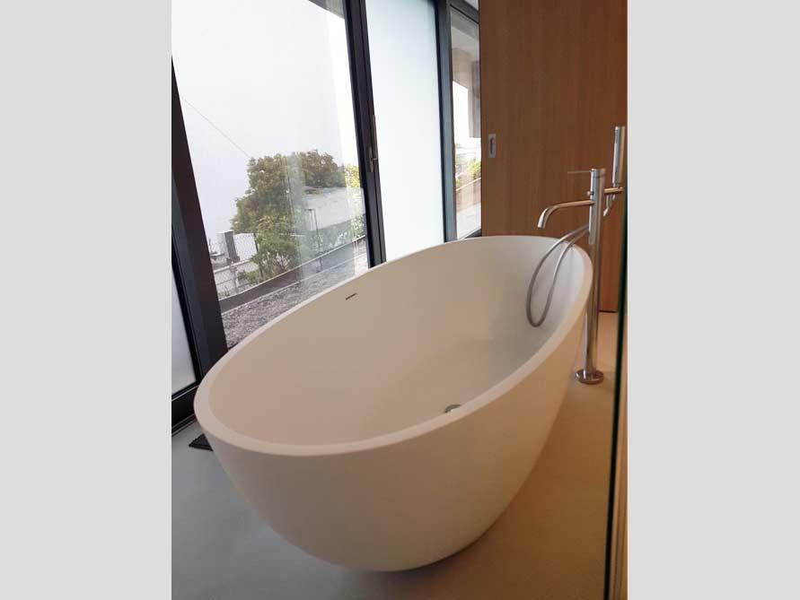 Badezimmer ideen mit der freistehenden badewanne piemont for Badezimmer ideen mit badewanne
