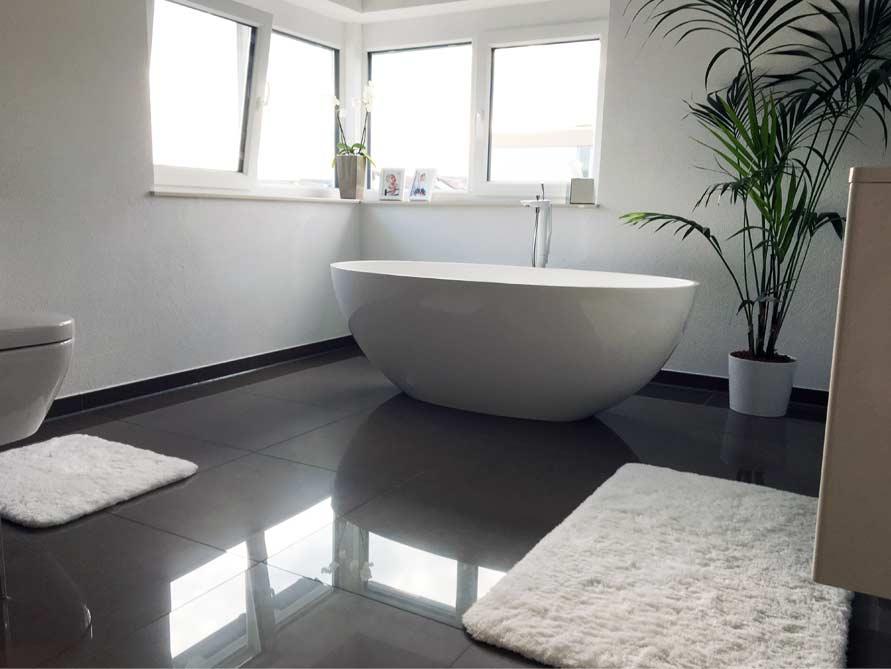 Badezimmer ideen mit freistehende badewanne piemont medio for Badezimmer mit badewanne