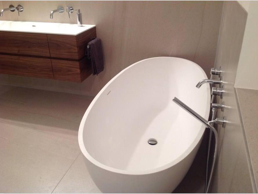 badezimmer idee piemont medio freistehenden badewanne detail badezimmers. Black Bedroom Furniture Sets. Home Design Ideas