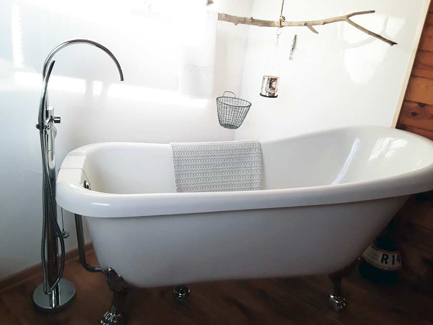 Klassische badezimmer ideen mit der freistehenden for Badezimmer ideen nostalgie