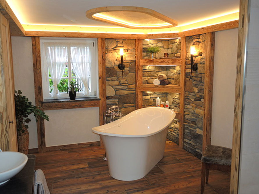 Badezimmer-Idee mit der freistehenden Nostalgie Badewanne Verona