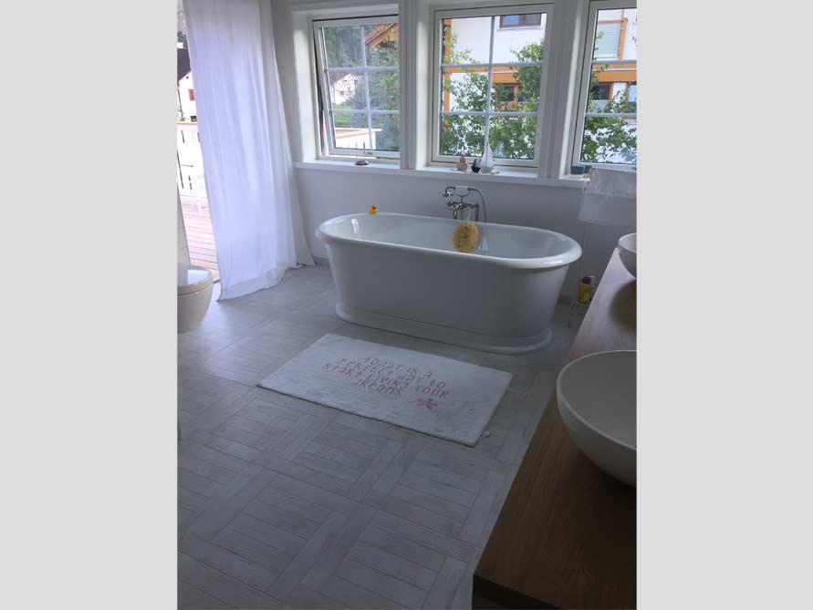 Badezimmer-Idee mit der freistehenden Nostalgie Badewanne York Tondo