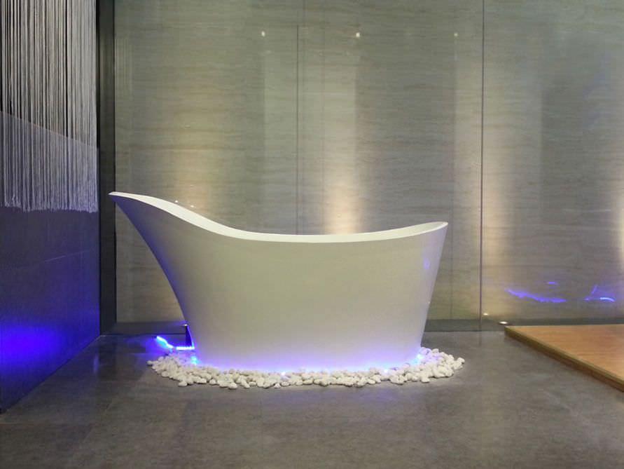 Freistehende Badewanne Napoli von Bädermax - Mineralguss-Badewanne ...