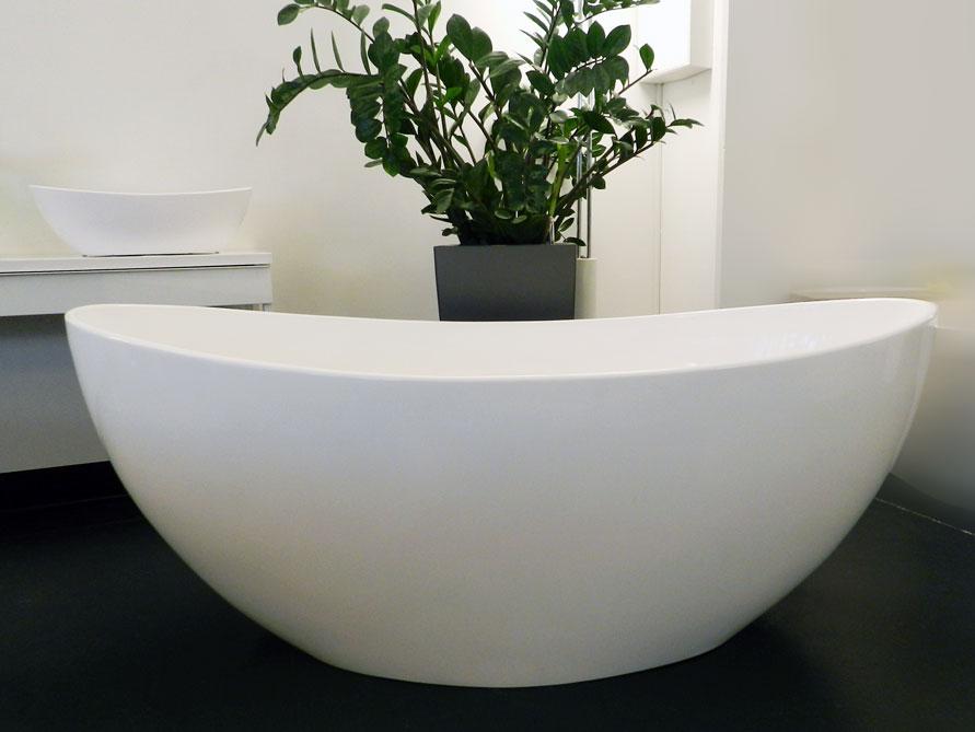 novara freistehende mineralguss badewanne wei matt. Black Bedroom Furniture Sets. Home Design Ideas