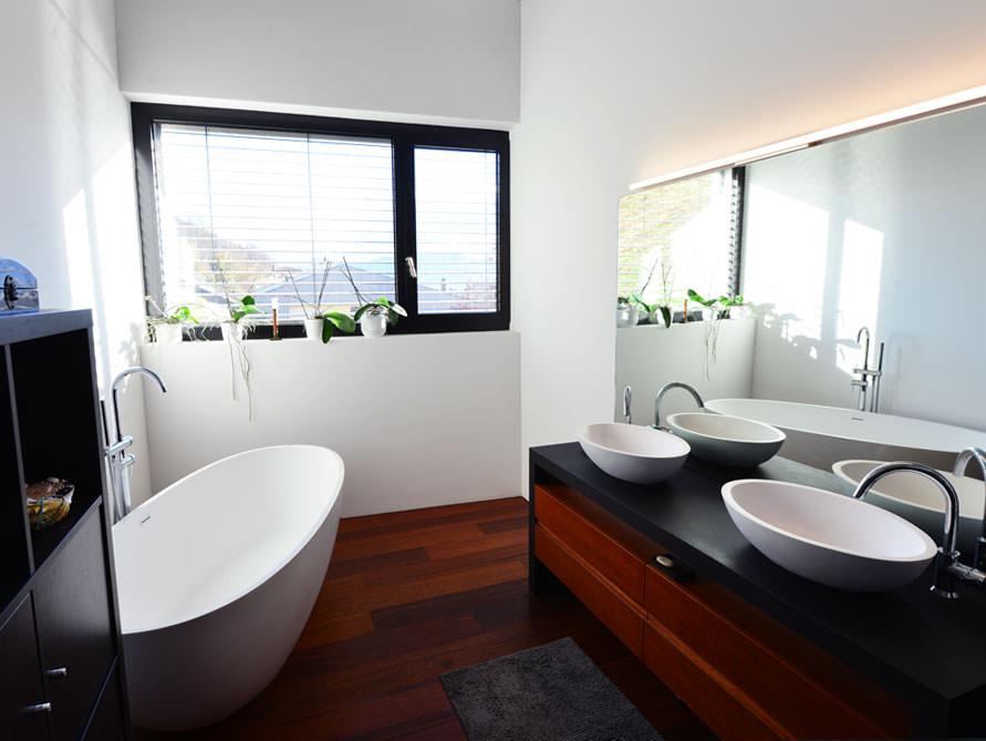 piemont freistehende mineralguss badewanne wei matt oder gl nzend 180x80x60 oval ei. Black Bedroom Furniture Sets. Home Design Ideas