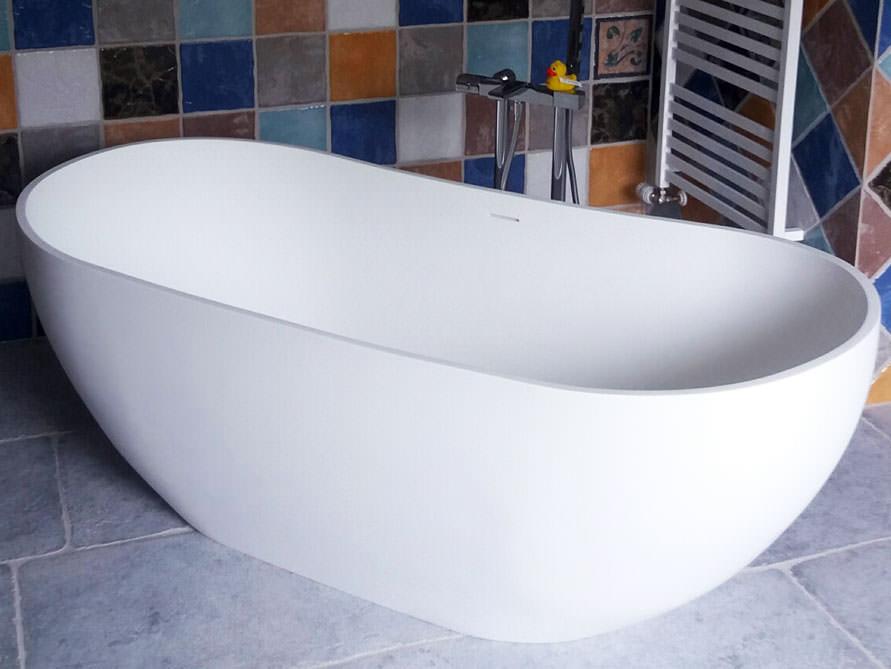 Freistehende Badewanne Treviso Grande aus Mineralguss - Weiß matt ... | {Freistehende badewanne oval 31}